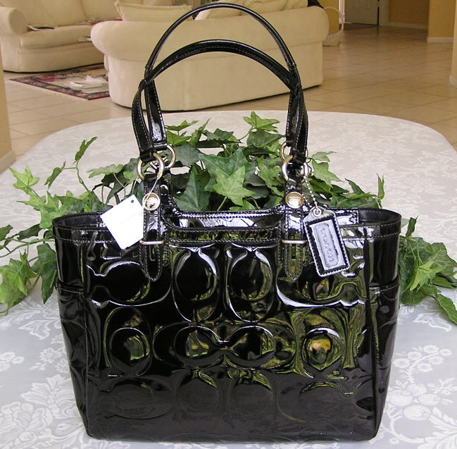 coach patent leather tote. Dual patent leather shoulder