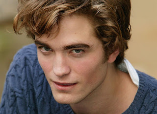 Pattinson'un Ailesi Devreye Girdi Robert-Pattinson-headshot