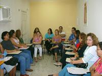 Socios de la APAPLE en la charla por el día del Traductor.