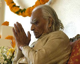 BKS Iyengar - founder and teacher of Iyengar Yoga