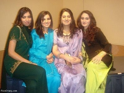Girls Pictures on Find These Pakistani Girls Pic From The Search Engin Toke This Picture
