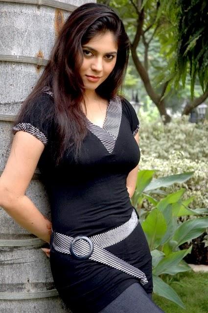 sherin in black photo gallery