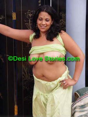 Desi Chubby Aunty