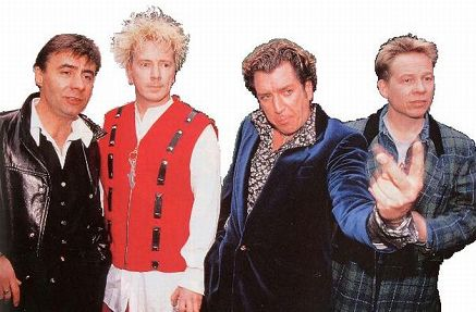 Sex Pistols em 2007: Glen Matlock, John(ny Rotten) Lydon, Steve Jones e Paul Cook