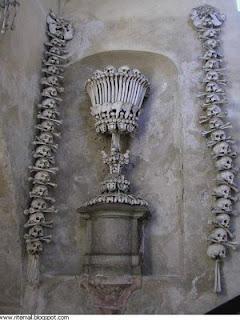 من جرائم الصليبين..كنيسة من عظام made by5.jpg