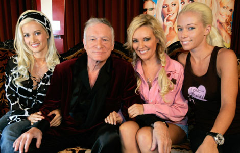 Hugh Hefner fridde med ring til en halv million! thumbnail