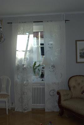 Vita rum: Vardagsrumsfönster