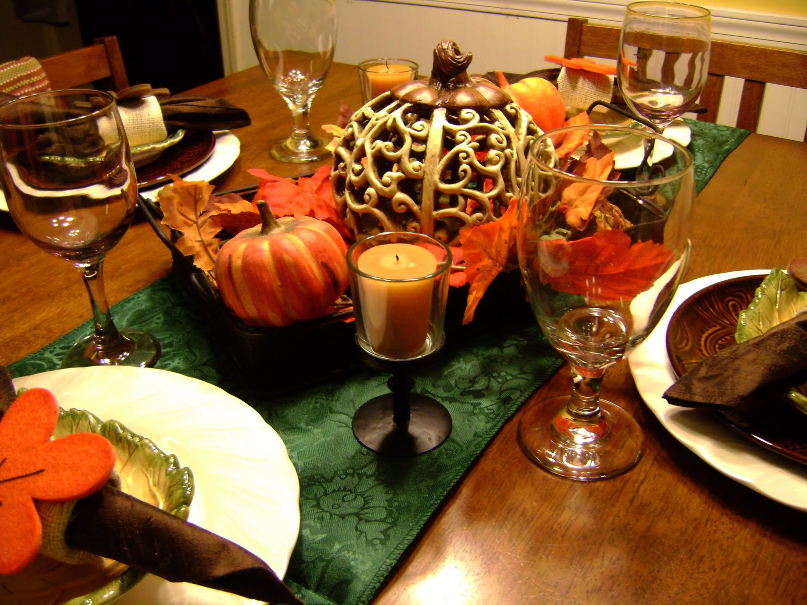 Dining table setting dining table thanksgiving for Thanksgiving decorations for dining tables