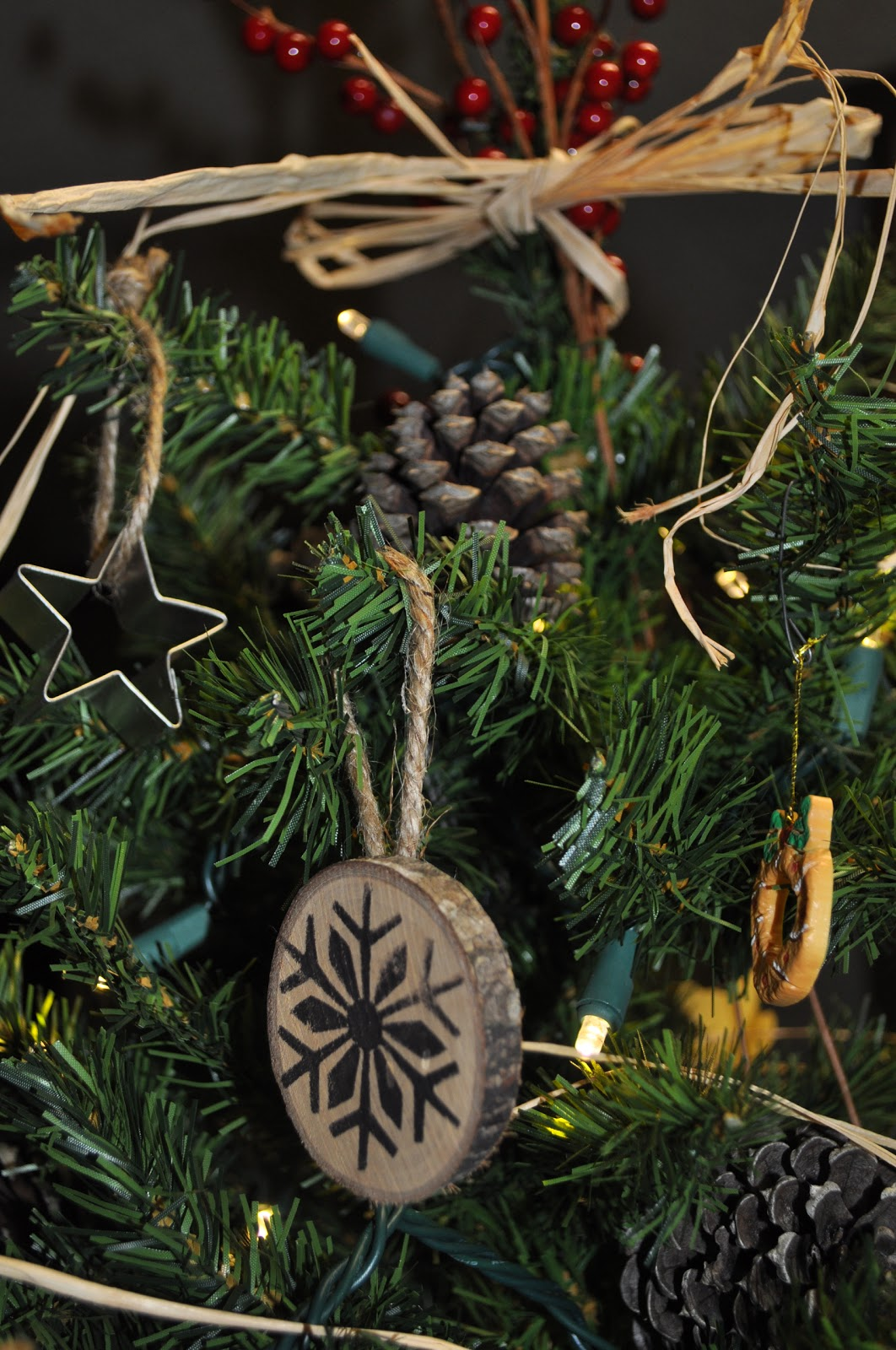 Design to shine wood chip christmas ornaments