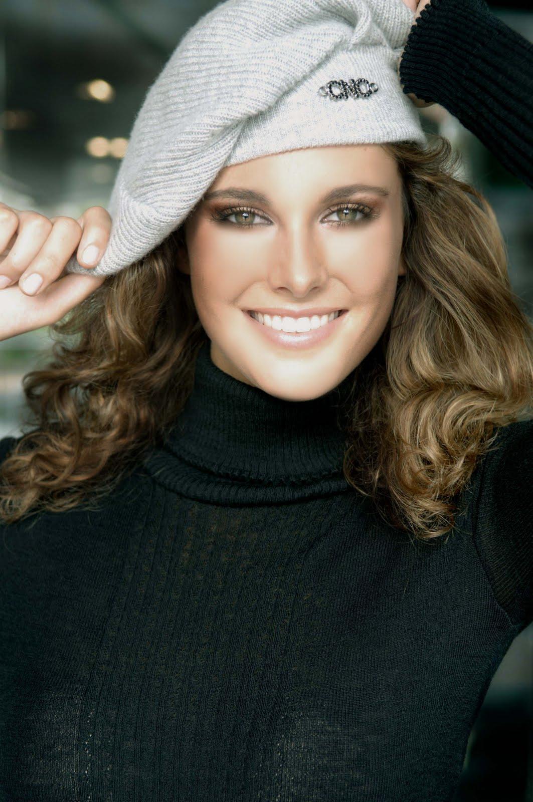 Alejandra Andreu hot photo