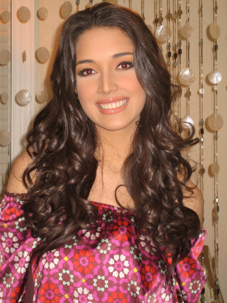 Amelia Vega Net Worth