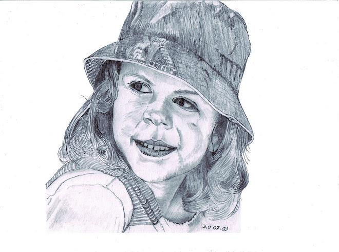 petite fille au chapeau