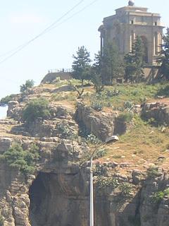 Balade cirtéenne : le monument aux morts vu du bd de l'Abîme