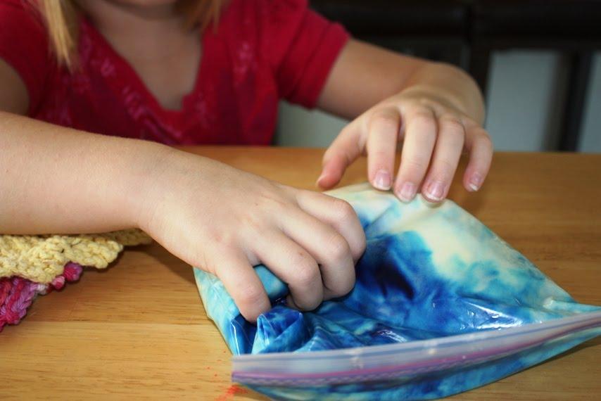 Gourmet Mom on-the-Go: Double Rainbow Cupcakes