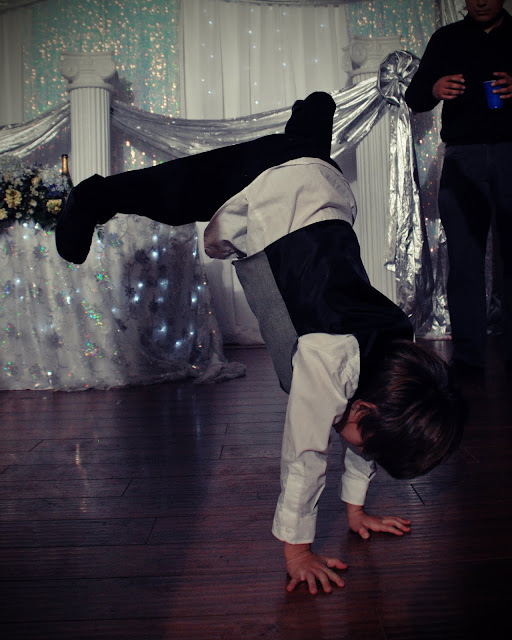 Breakdance Crystal and Jays Wedding