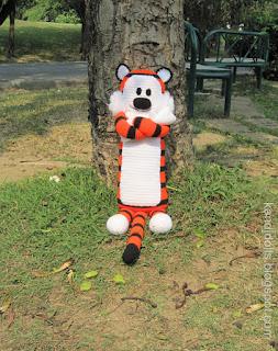 Hobbes and Calvin Amigurumi tiger pattern