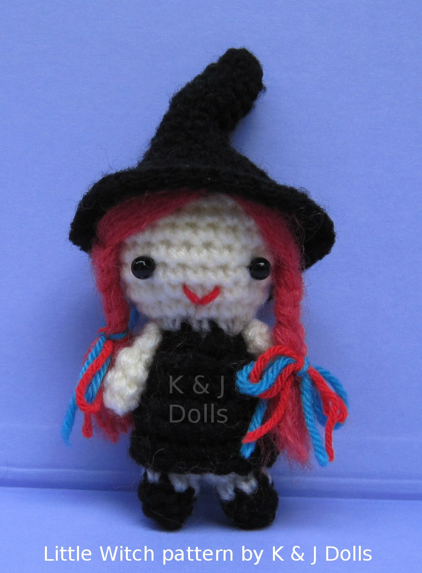Crochet Patterns Free American Girl Dolls : MODELES GRATUITS-Sorciere pour Halloween AMIGURUMI