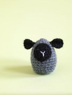 2000 Free Amigurumi Patterns: Little Lamb