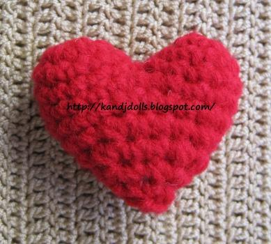 Amigurumi Heart Tutorial : Free heart crochet pattern for Valentine - Sayjai ...