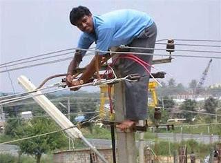 Eletricista no Paquistão segurança zero