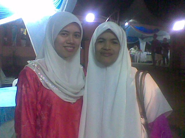 Bersama ibu yang teramat aku sayangi :-)