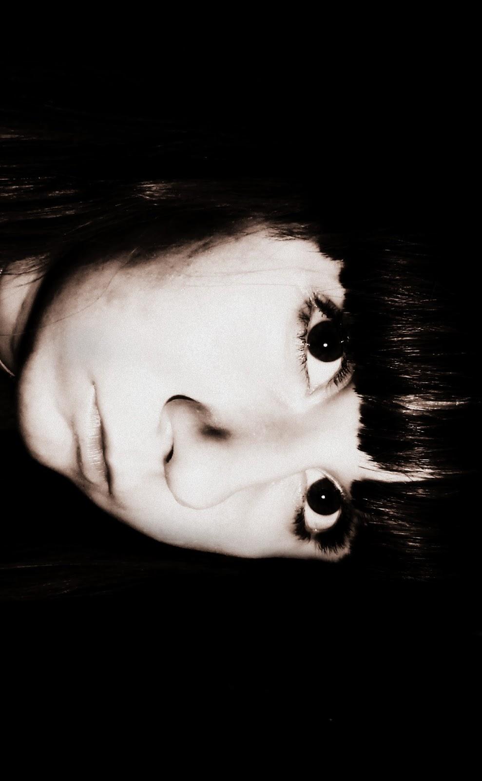 Фото грустной девушки на аву вк