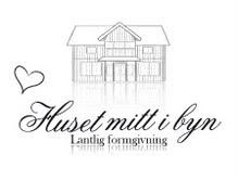 Mysig webbutik!! Huset mitt i byn