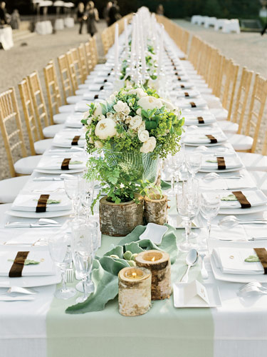 When I came across these photos of a table setting for a wedding