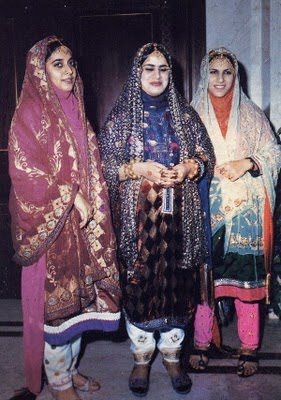 Popular Panoramio  Photo Of Omani Women Traditional Dress
