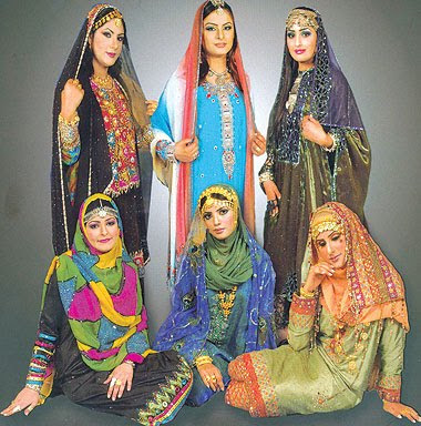 Lastest According To My Employer And A New Coworker, Women Should Keep Their Shoulders  This Is Something To Clarify With Your Hotel As An Omani Woman, I Find The Best Thing For You To Wear Around Is A Jeans And A T Shirt Or Trousers And