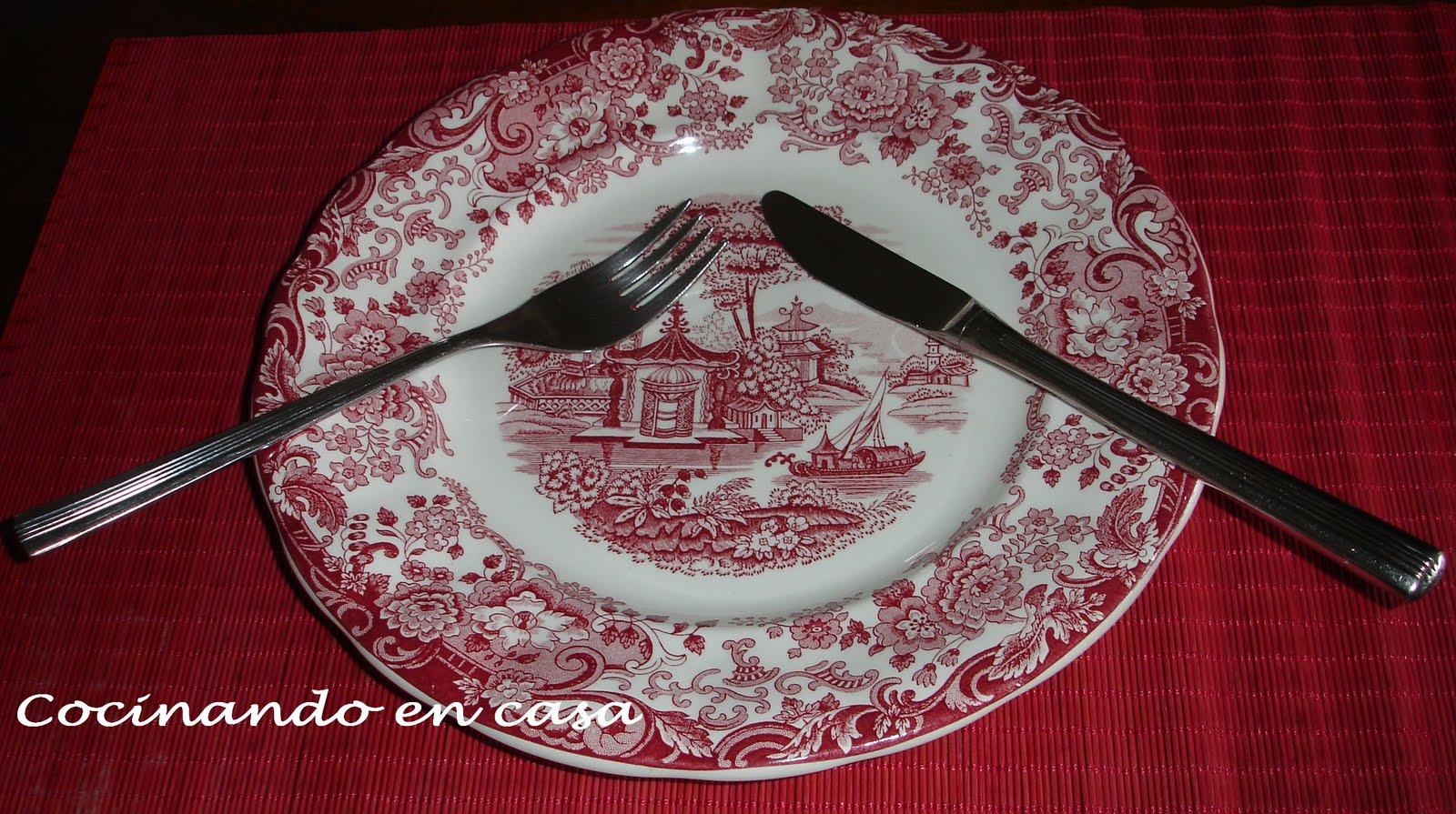 Cocinando en casa protocolo sencillo en la mesa for Colocacion de los cubiertos en una mesa