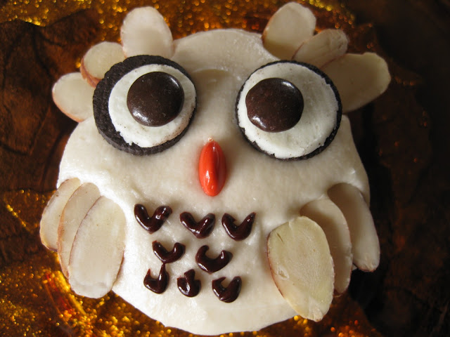 decoration of owl cupcakes