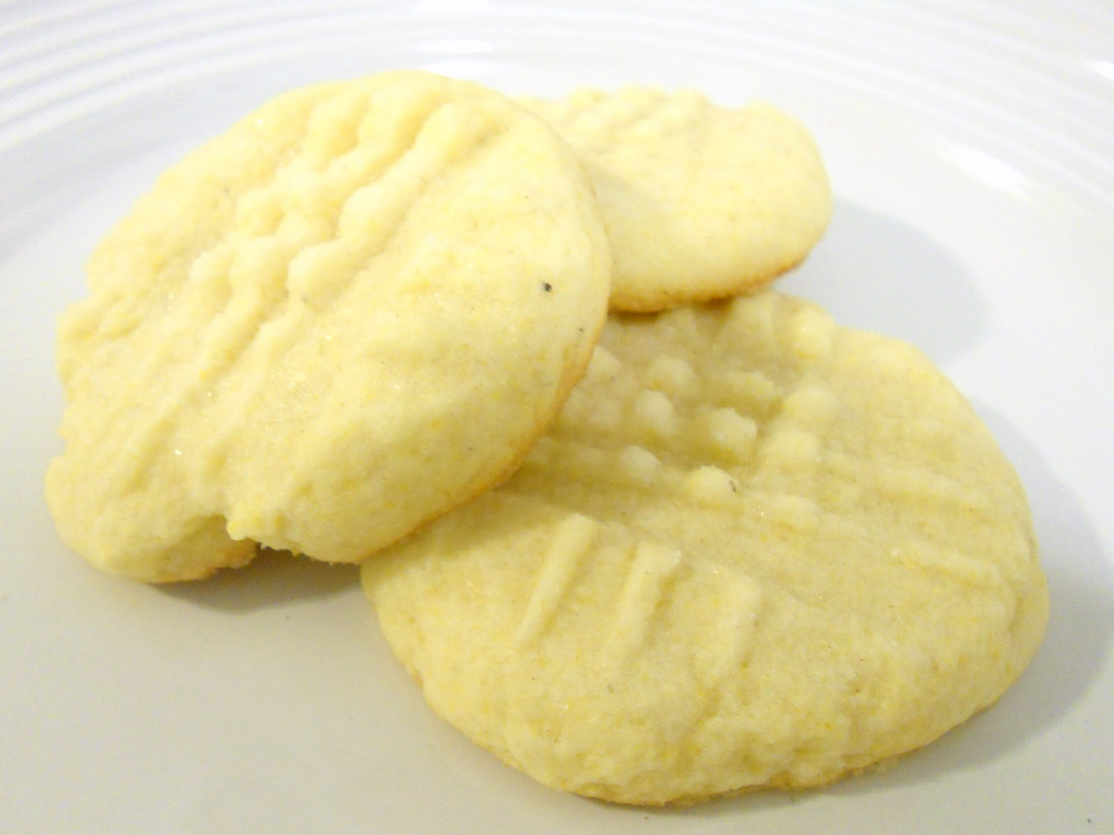 Sugar Overdose: Daily Dose: Lemon Cornmeal Cookies