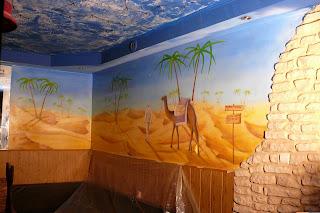 Malowidło ścienne w barze, malowanie obrazu na ścianie w klubo-kawiarni, mural 3