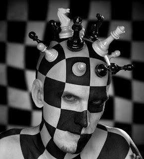 http://3.bp.blogspot.com/_jEwL4I5g1WQ/TFumUmCvDlI/AAAAAAAABAM/HrjHppQUt70/s320/Got_chess.jpg