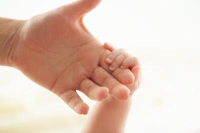 http://3.bp.blogspot.com/_jEwL4I5g1WQ/TLiH-O_wIRI/AAAAAAAABnI/Ja-SLmYeAJA/s400/Baby_girl_36_4468.jpg