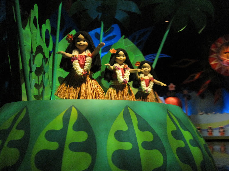 Small World Hula Girls