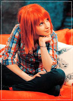 Hayley *.*