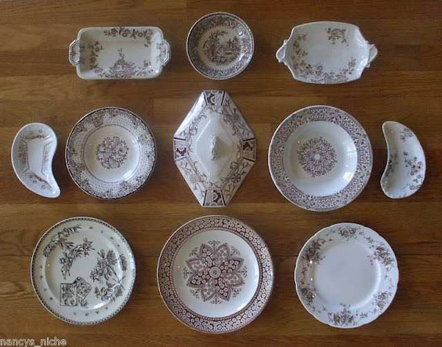 Female followers of the Aesthetic Movement dressed in distinctive loose flowing garments in subtle colours which were modelled on medieval styles. & Nancyu0027s Daily Dish: The Aesthetic Movement and Transferware