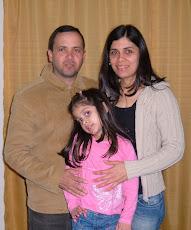 Pr. Claiton, sua esposa Laura e sua filha Rebeca
