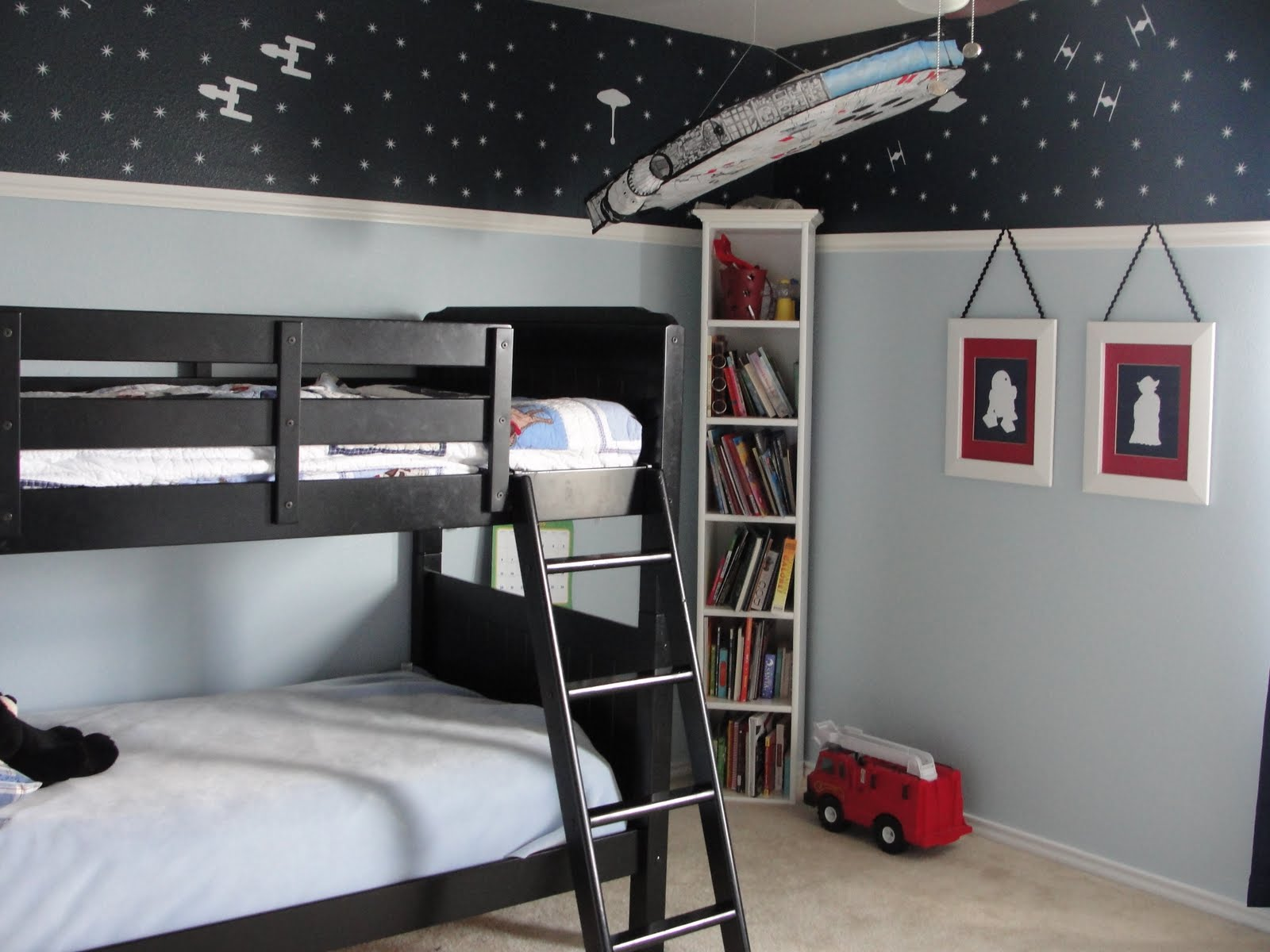Star Wars Bedroom Ideas : Youll notice a heavy usage of vinyl decals. I geuss I just cant hel...