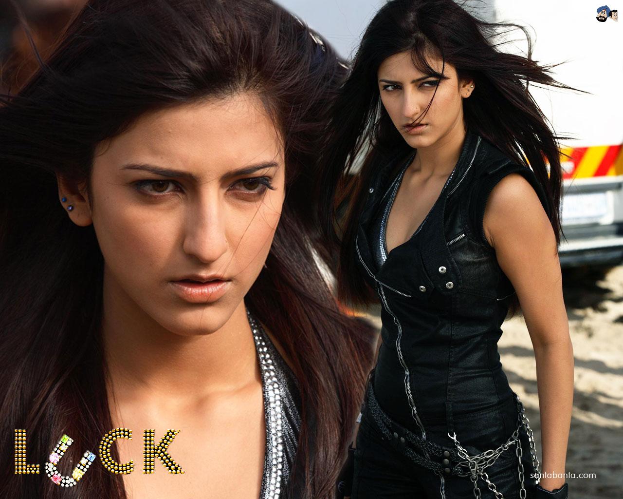 Cine Film Actors Rakta Charitra: :::CINE FILM ACTORS: LUCK FILM WALLPAPERS:::
