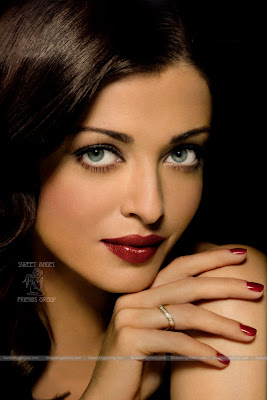 aishwarya_rai_hot_wallpaper_06_sweetangelonly.com