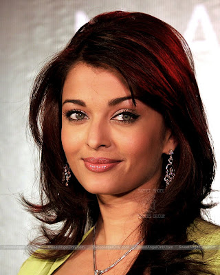 aishwarya_rai_hot_wallpaper_35_sweetangelonly.com