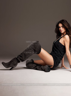 adriana_lima_hot_wallpaper_15_sweetangelonly.com