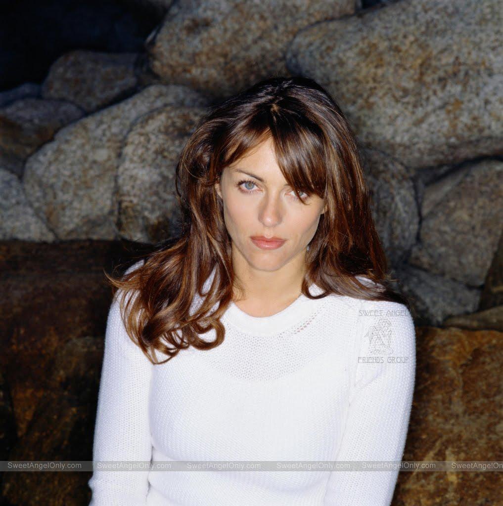 Hurley Wallpaper: Olga Kurylenko Hot: Celebrities Wallpapers-Elizabeth Hurley