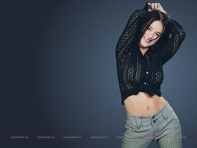 alizee_hollywood_actress_wallpaper_11_sweetangelonly.com