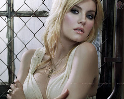 elisha_cuthbert_hot_actress_wallpaper_16_sweetangelonly.com