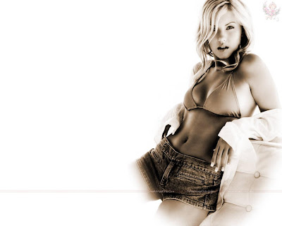 elisha_cuthbert_hollywood_hot_actress_wallpaper_29_sweetangelonly.com