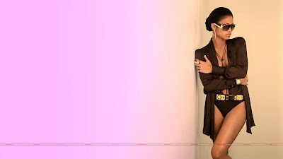 hollywood_hot_actress_bikini_wallpapers_02_sweetangelonly.com